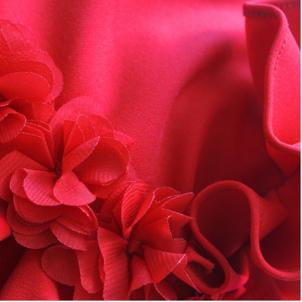 dettaglio cinta abito da cerimonia bambina