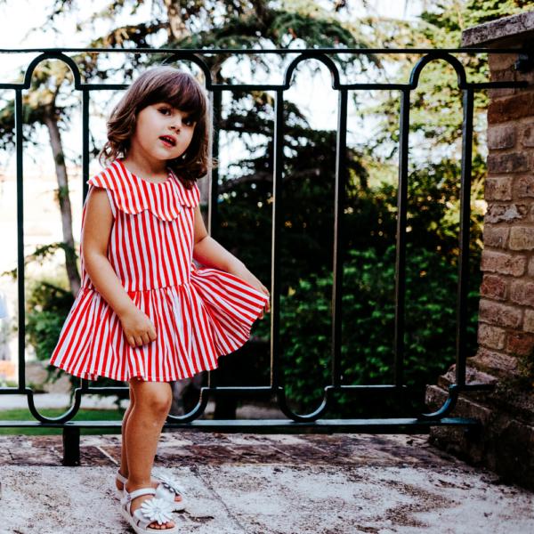 abito da bambina Aurora a righe rosse in cotone