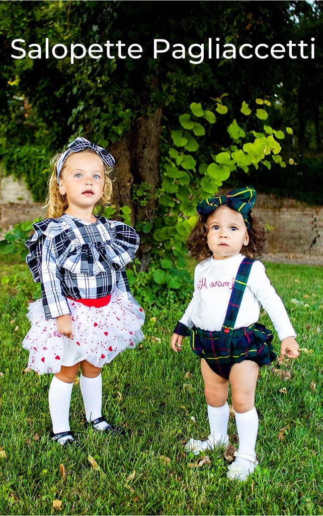 salopette Mia e pagliaccetto Emma da bambina