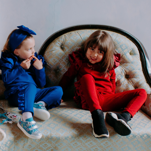 maglia in cotone per bambina rossa o blu